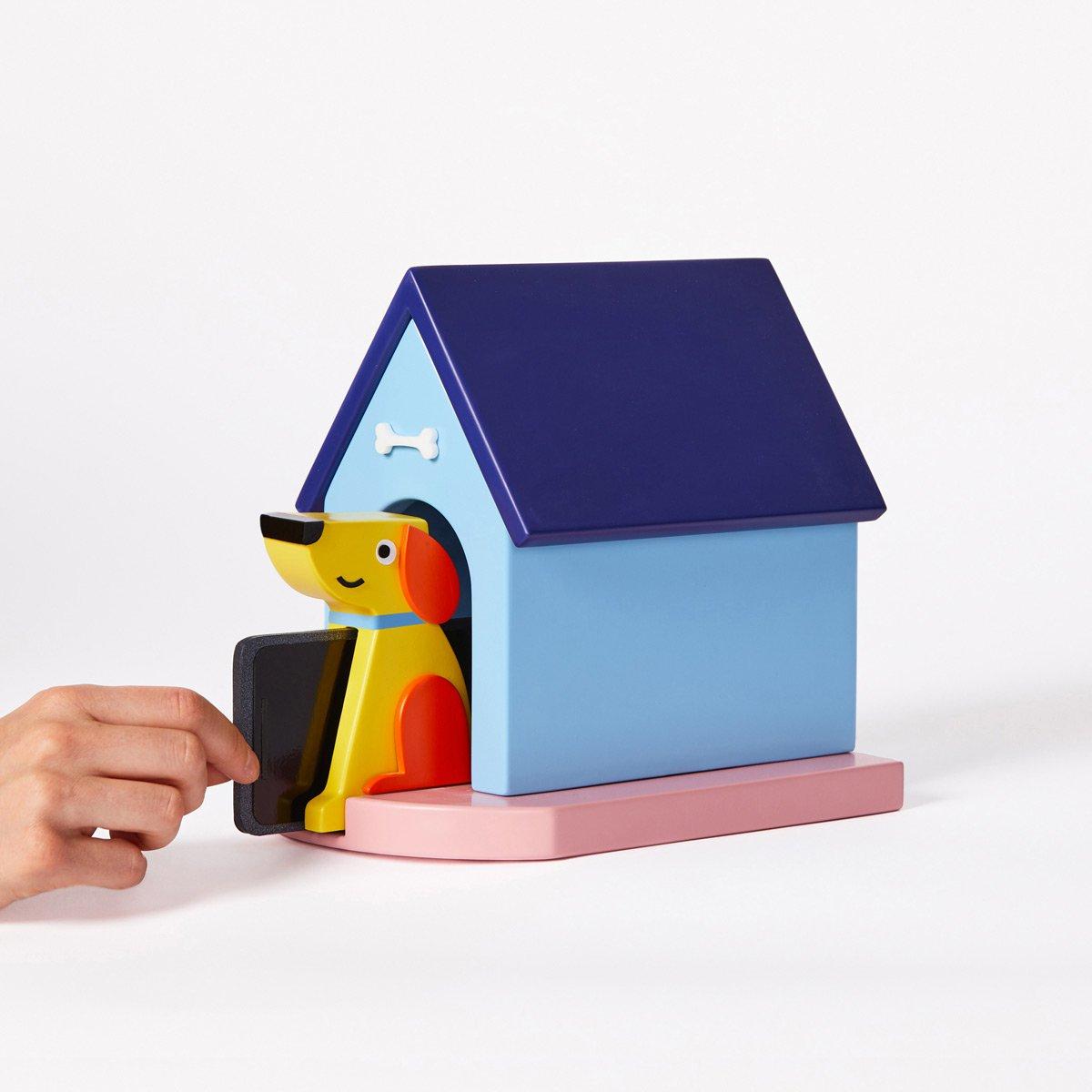 Microsoft mobile phone doghouse